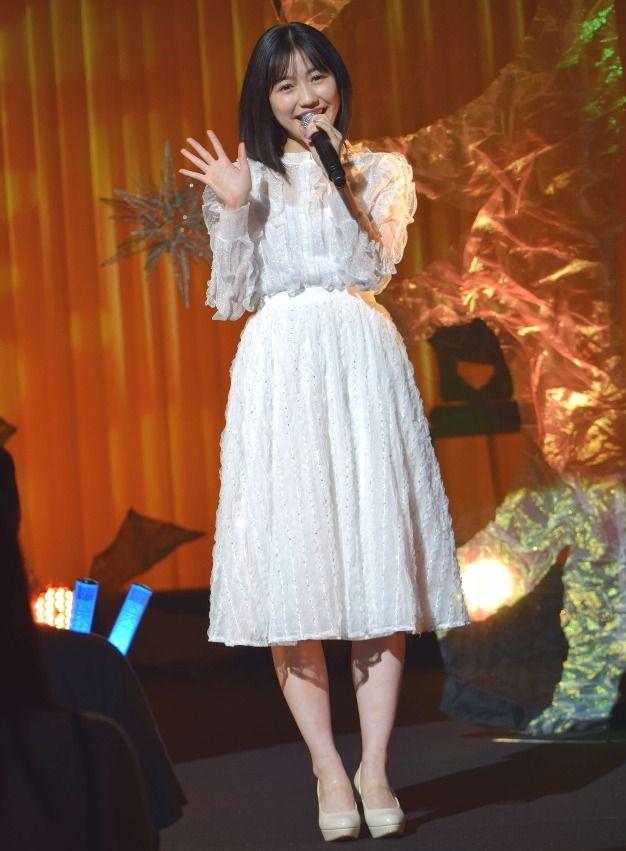 元AKB48の渡辺麻友(23)が17日、都内でソロアルバム「Best Regards!」発売記念ソロライブを行い、3月1日からオフィシャルファンクラブが発足… - 日刊スポーツ新聞社のニュースサイト、ニッカンスポーツ・コム(nikkansports.com)