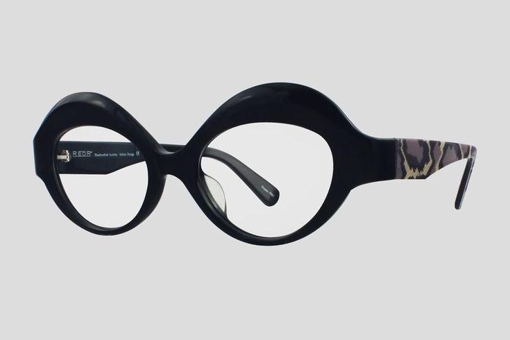 #Brillen van Reor. Dit is de Bernadette (SKU F10.595FX2). Vintage kattenoog model #montuur van zwart met design acetaat. Verkrijgbaar in meerdere kleuren.
