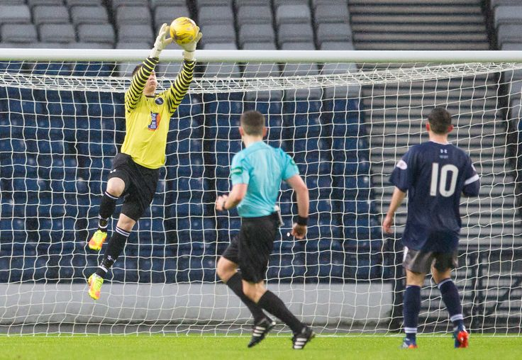 Queen's Park's Wullie Muir in action during the Ladbrokes League One game between Queen's Park and Stranraer.