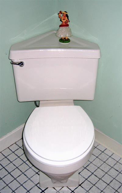 Look   Corner Toilet. 17 Best ideas about Corner Toilet on Pinterest   Diy corner shelf