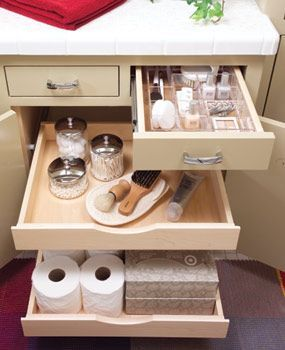 if only every bathroom had such great storage