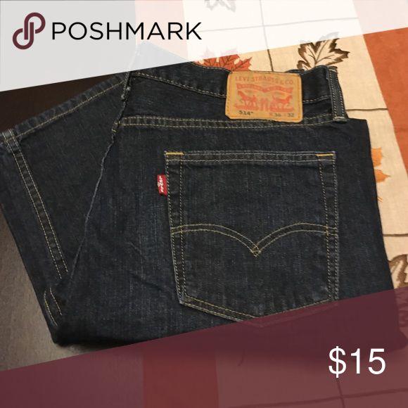 Levi's 514 Excellent condition. Size 36 x 32. Levi's Jeans