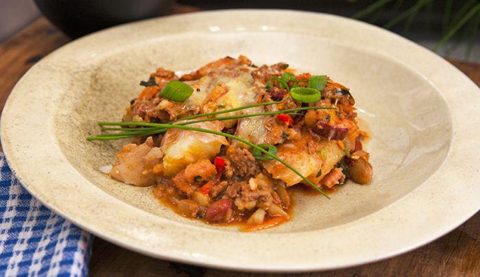 Potato Stuffed with Chilli Turkey and Cheese - Good Chef Bad Chef