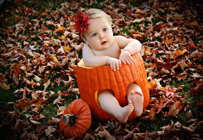 Very creative for a 6 months Baby Shoot if it fall around halloween time