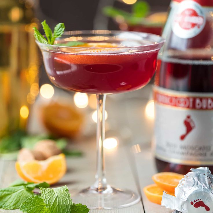 Cocktail and mocktail recipes for christmas