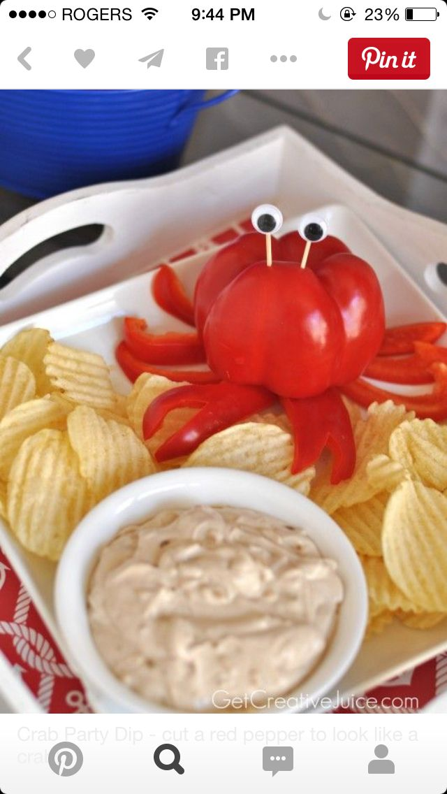 Crab chips and dip
