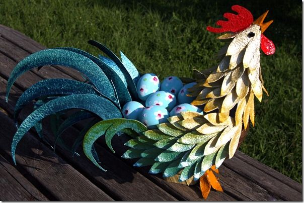 Create this beautiful rooster from an egg carton! featured @totgreencrafts