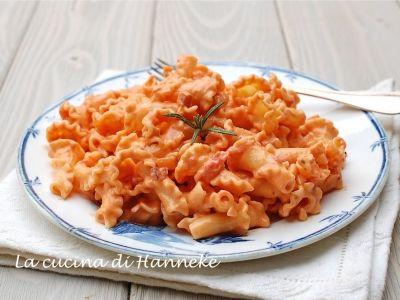 pasta con pomodoro e pancetta
