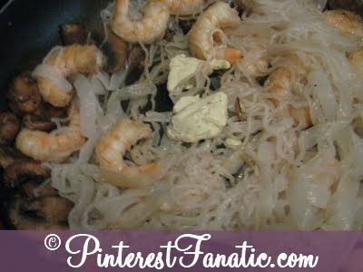 200 Calorie Shrimp Fettuccini Recipe from pinterestfanatic