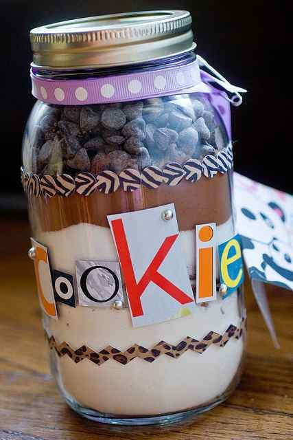 ... Pencil Holder Log, Cardboard & Twine Initials! #crafts #kids #fun More