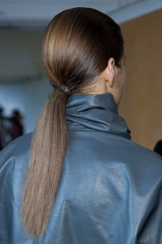 SS15_JWAnderson ponytail hairstyle brown hair color cute