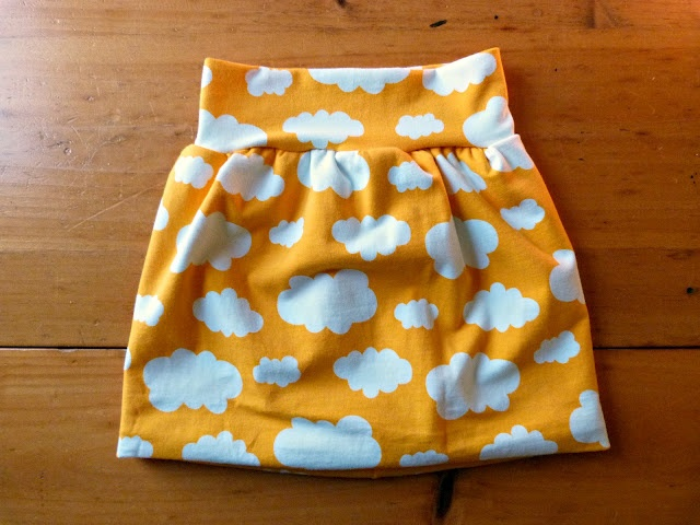 Super cute (and simple) bubble skirt. Tute is for size 2T.
