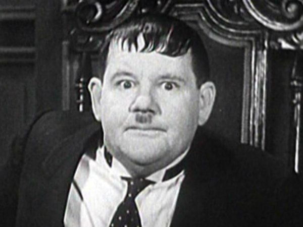 Laurel and Hardy on Twitter   Laurel and hardy, Stan laurel oliver hardy,  Famous faces