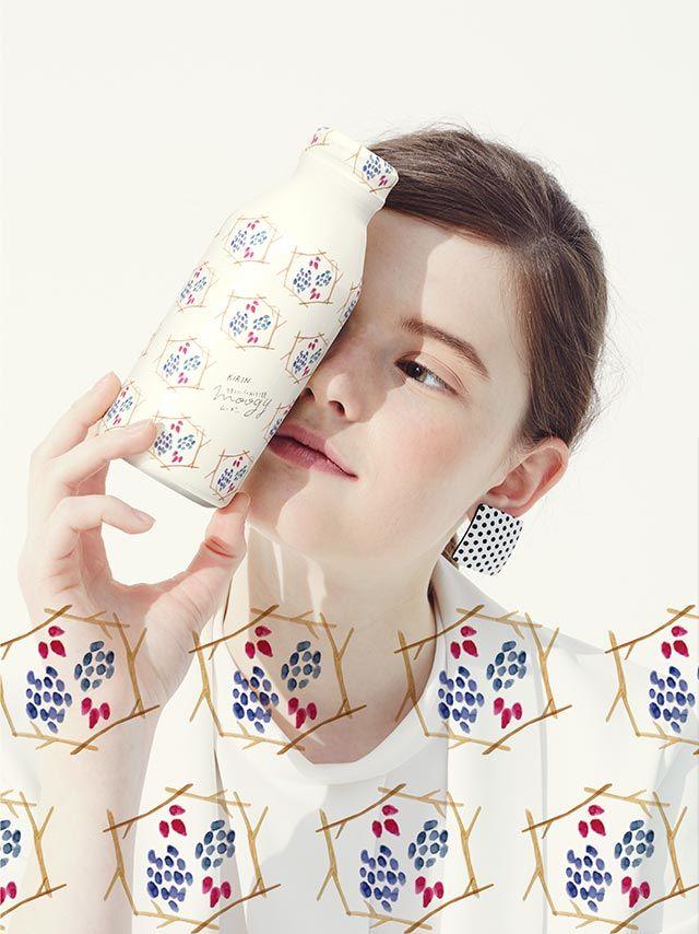 デザインを通じて毎日の生活に潤いと小さな幸せをくれるブランド。冷える生活環境で過ごす女性の味方。焙煎大麦に生姜などぬくもり素材をブレンドした健康麦茶。