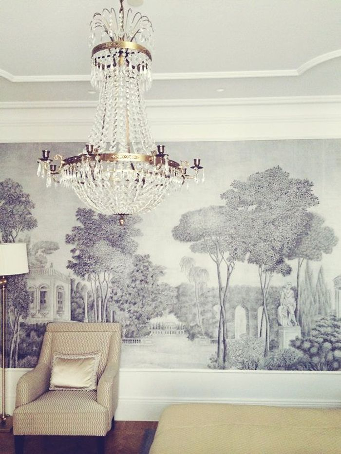 Make a full wall mural for an entertaining room- like the one in the Girault household!!