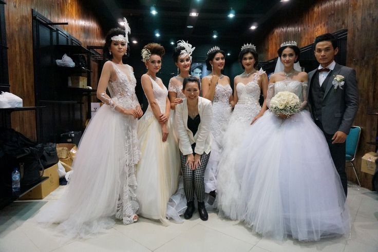 Find your bridal collection just with Yenny Lee Bridal Couture @yennylee_couture   www.yennyleecouture.com   +62 812 1741 1038