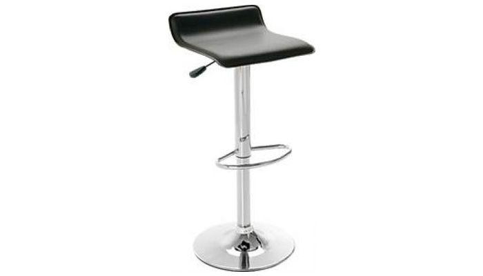 A base da Banqueta Couríssimo é giratória e o assento tem 12mm de espessura e é revestido em couríssimo, levando conforto ao seu momento! Regulagem de altura a gás e base em aço cromado com descanso para os pés. Disponível em três opções de cor de tecido: marrom, preto ou branco. Medidas: 36 x 76 a 94,5 x 34 cm. http://www.moradamoveis.com/