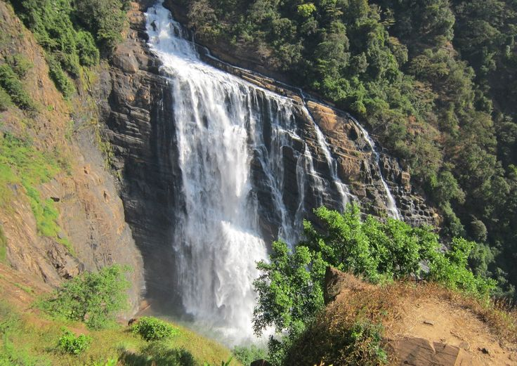 Unchalli #falls is one among the magnificent #waterfalls of #Karnataka. Unchalli falls is located in #siddapura. Once in a lifetime you should try experiencing an #agricultural #trek. Traversing through coconut trees, vast grasslands and betel nuts, the trek to Lushington falls is epic in itself. #beautiful #fun #nature #karnatakatourism #enjoy #adventure #india #travel