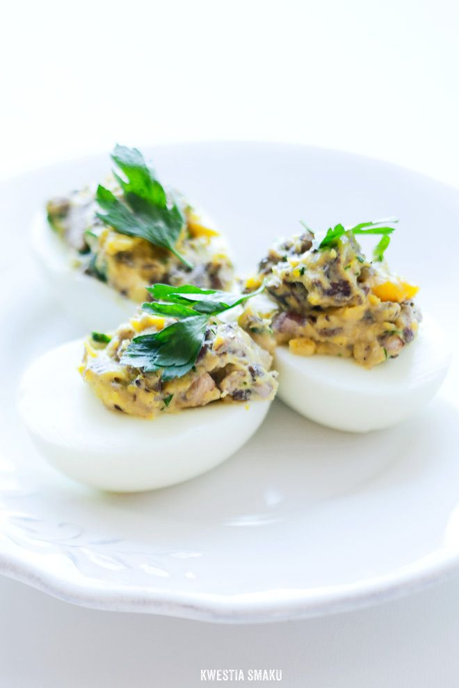 Eggs stuffed with mushrooms and parsley