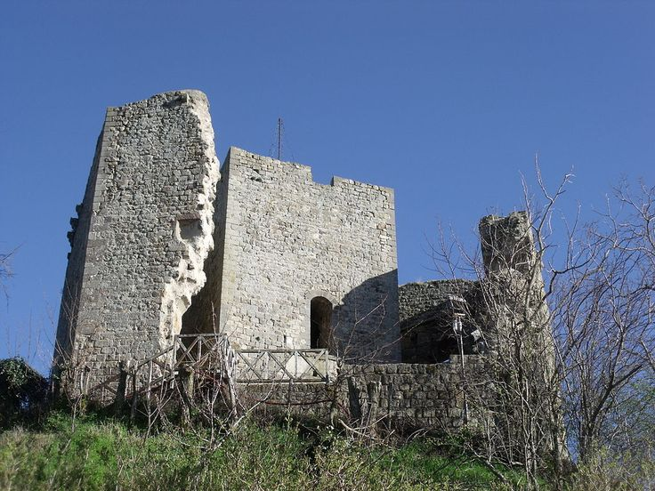 Cassero senese (also called Roccaccia, Rocca, Castello) in Montelaterone, hamlet of Arcidosso