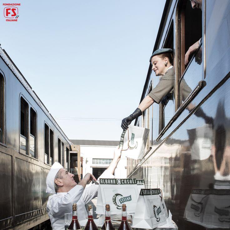 """Dal film """"Un viaggio di cento anni"""", di Pupi Avati, vendita di cestini alimentari per viaggiatori di prima classe"""