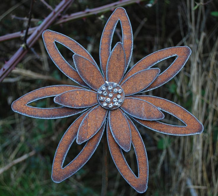 Rusted Flower Garden Art - Garden Stake Decor by metalgardenart