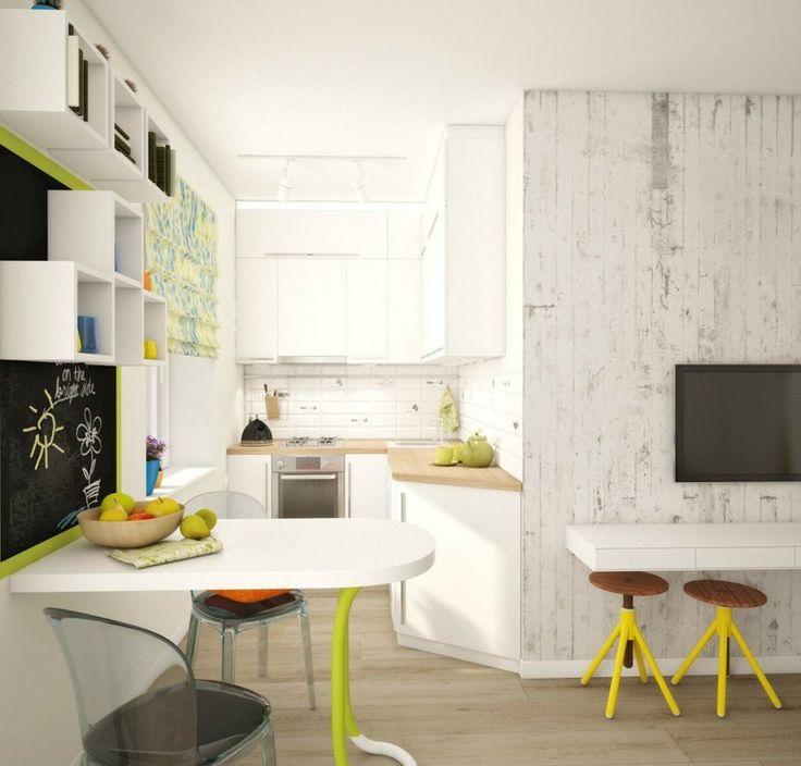 Eine weiße Einrichtung lässt die Küche geräumiger wirken, sowie der offene Stil
