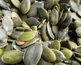 As sementes de abóbora têm imensos benefícios para a saúde e são ricas em fibras. Comidas com r....