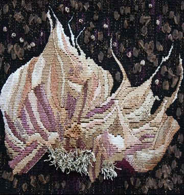 """Joanne Sanburg « """"Root Series – Garlic,"""" 2012, 10″ x 10,"""" Linen, silk, cotton and synthetic fibers on cotton warp, embellished with twin"""