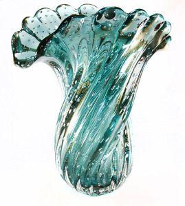 """8828_1 """"....A história dessas peças sobreviveu há séculos, chegando ao Brasil na década de 1950. Hoje, os Muranos podem ser encontrados nas principais lojas e mostras de decoração do país."""""""