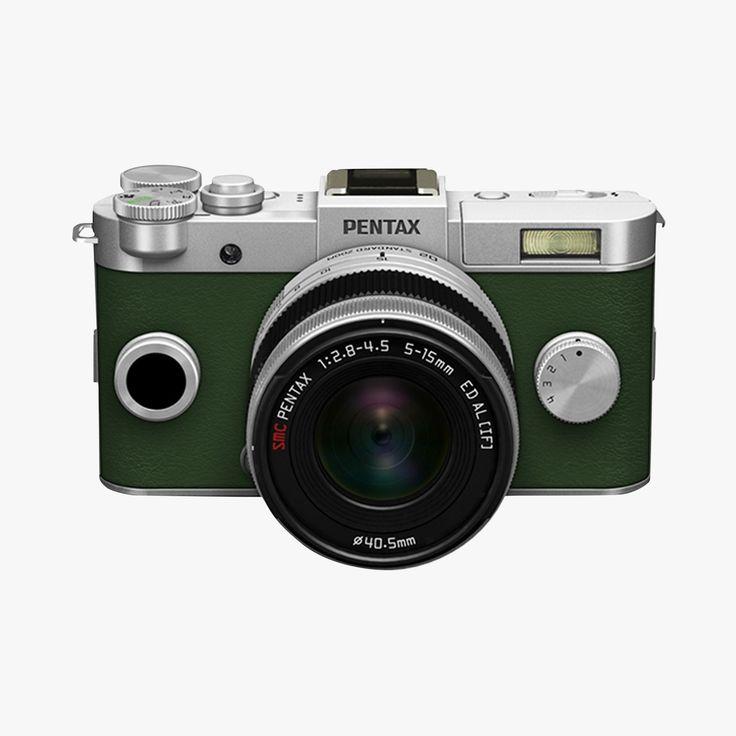 Le PENTAX Q-S1 est le dernier né de la série PENTAX Q, gamme d'appareils photo numériques à objectifs interchangeables développés pour être plus dans l'ère du temps et plus conviviaux que les reflex numériques. Le Q-S1 est équipé de nombreuses fonctions de prise de vue, d'un capteur CMOS rétro-éclairé de 1/1.7 pouces pour une excellente qualité d'image, de la gestion du bruit numérique jusqu'à 12800 ISO ou encore d'un système de stabilisation intégré. Il offre également une variété d'outils…