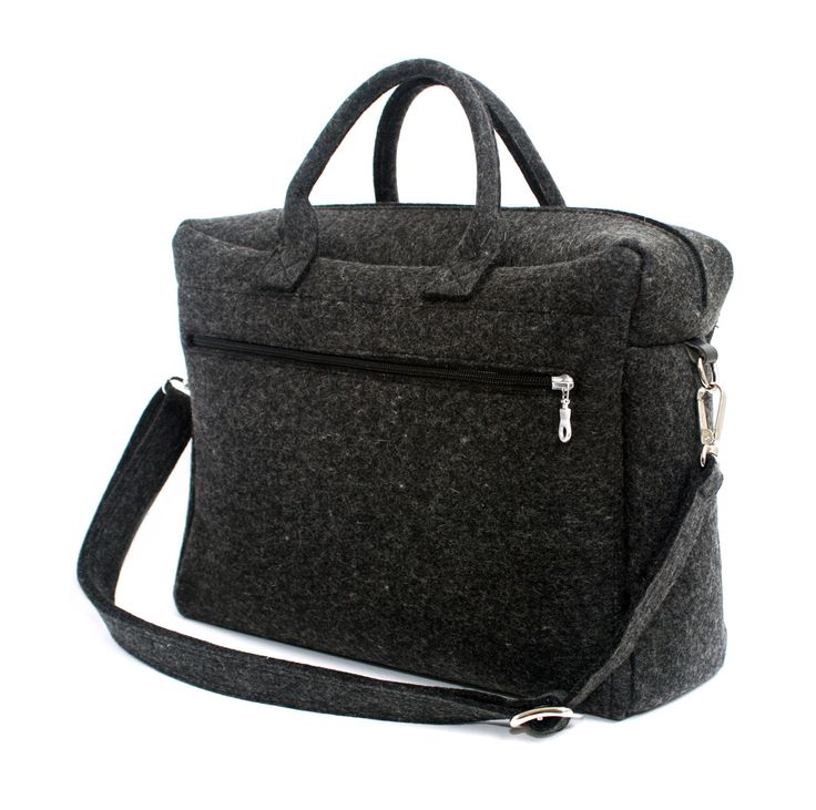 DAY Urban Bag by Manon Garritsen - Sustainable, practical and stylish. Love the simplicity of this well-made accessory.