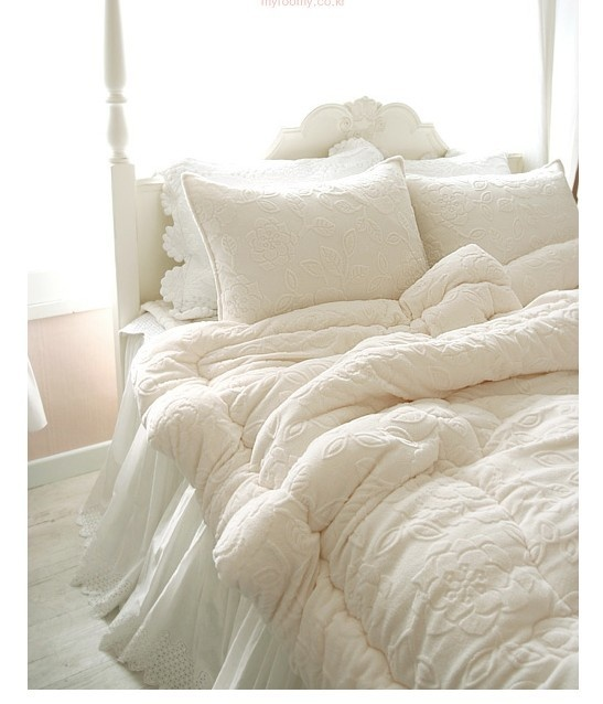 25+ Best Ideas About White Lace Bedding On Pinterest