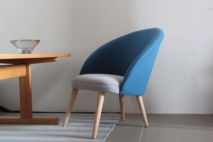 Vintage Easy chair / Ejvind.A.Johansson/こちらは、アイヴァント・ヨハンソンによるデザイン。 日本ではまだまだ馴染みが薄いのですが、ボーエ・モーエンセンの影響を色濃く残しつつ、F.D.B(デンマーク生協)でも良作を多く残した名デザイナーの一人。#家具 #ヴィンテージ #北欧 #テーブル #デザイン #アンティーク #デンマーク #イギリス #ソファ #チェア