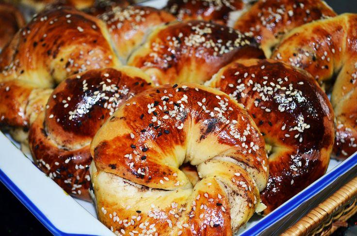 Olive Bagels (Turkish Acma)