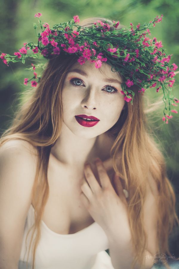 Świtezianka | Agnieszka Juroszek Photography |    Model: Adrianna Brzozowska | girl, flowers,  colors, spring, portrait, delicate, beauty, forest, fairy, magic, green, nature, spirit, red hair