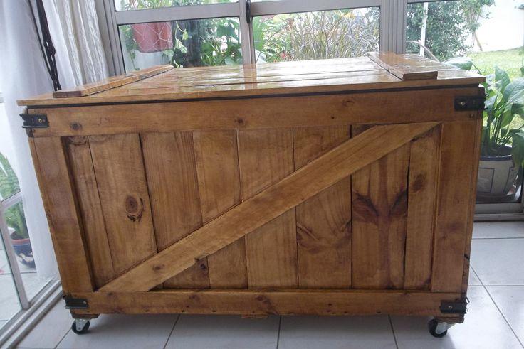 Reciclado contenedor de madera me qued hermoso baul for Baul madera barato