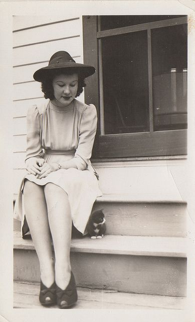 my little friend and i | Fall 1940 | vintage 40s dress shoes hat | 1940s style