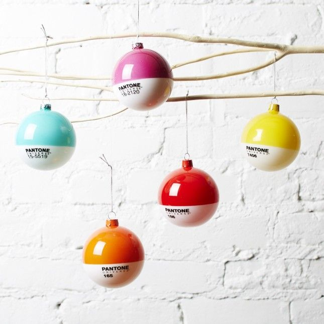 Einfache Dekoration Und Mobel Pantone Weihnachtskugeln #18: 52 Handmade Ornaments To Trick Out Your Tree