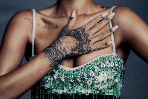 tattoo, rihanna, and hand image                                                                                                                                                      Mais