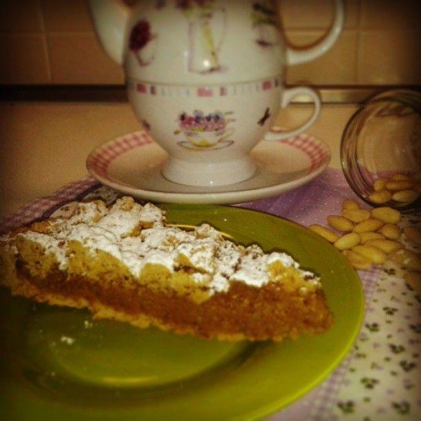 Mandorlata sicialiana: una squisitezza assoluta nella ricetta casalinga con Amaretti, di Vanda per Matilde Vicenzi. Da assaggiare assolutamente.