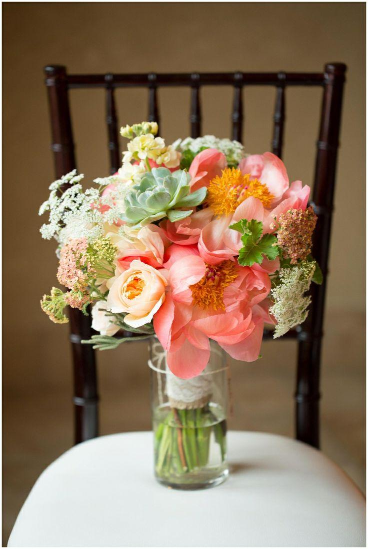 Coral Bouquet with succulents | Colorado Wedding Photographer | Della Terra Estes Park | ShutterChic Photography | Shutterchicphoto.com | @lace and lilies