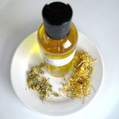 Papatya yağı faydaları nelerdir? Papatya yağının yapımı ve kullanımı nasıldır? Saça yararı nedir, cilt masajı nasıl yapılır?