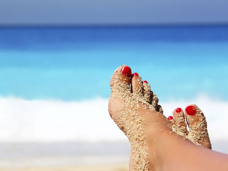 Bet you didn't know you could use baby powder for that!----Say goodbye to sandy feet. Don't let your fun time at the beach be spoilt by sand littered throughout your car or home. Wet, sandy feet are an ease to clean with a quick sprinkle of baby powder, which absorbs the extra moisture, allowing the sand to fall right off.