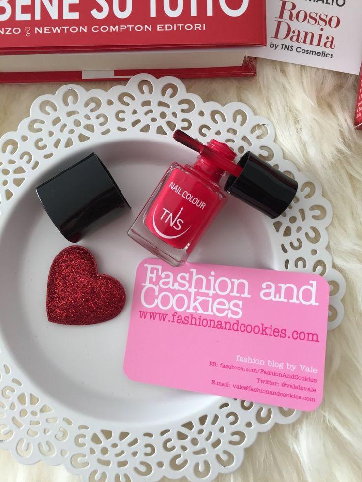TNS Cosmetics Rosso Dania nail polish