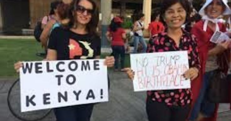 Hawaii Protesters Troll Donald Trump Over His Obama Birther Lies | HuffPost