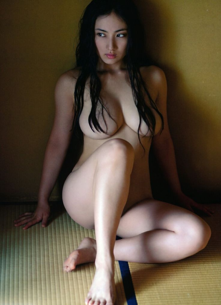 asian-girls-nude-with-feet