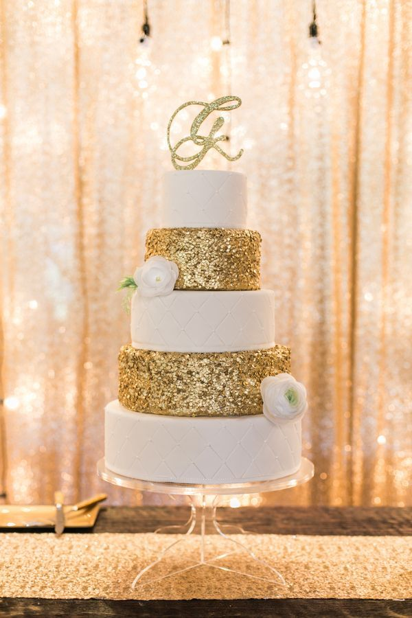 shabby chic gold glittery wedding cake ideas