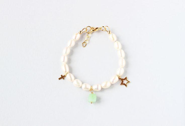 May Birthstone First Communion Bracelet, Girl Communion Jewelry, Pearl Communion Bracelet, Birthstone Jewelry For Kids, Keepsake Gift Girl by ILgemstones on Etsy