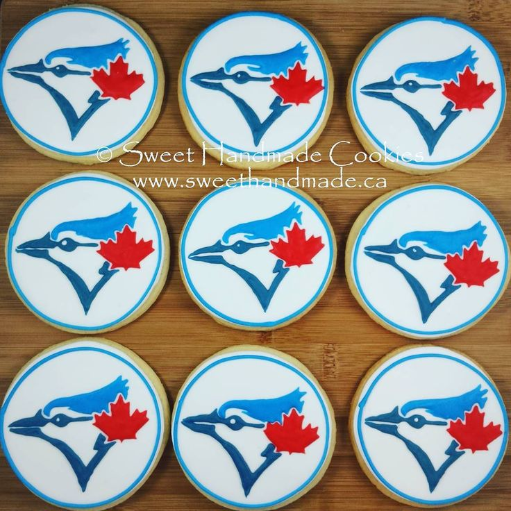 Opening day! ⚾ ⚾🍁🍁 Let's go Blue Jays!  #sweethandmadecookies #customcookies #decoratedcookies #designercookies #cookies #bradfordontariocookies #torontocookies #torontodecoratedcookies #gtacookies #gtadecoratedcookies #bluejays #bluejayslogo #bluejayslogocookies #baseball #torontobluejays #torontobluejayscookies #bluejayscookies
